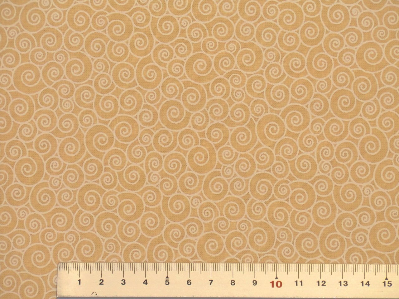 Quilt Fabrics Backing circles creme white
